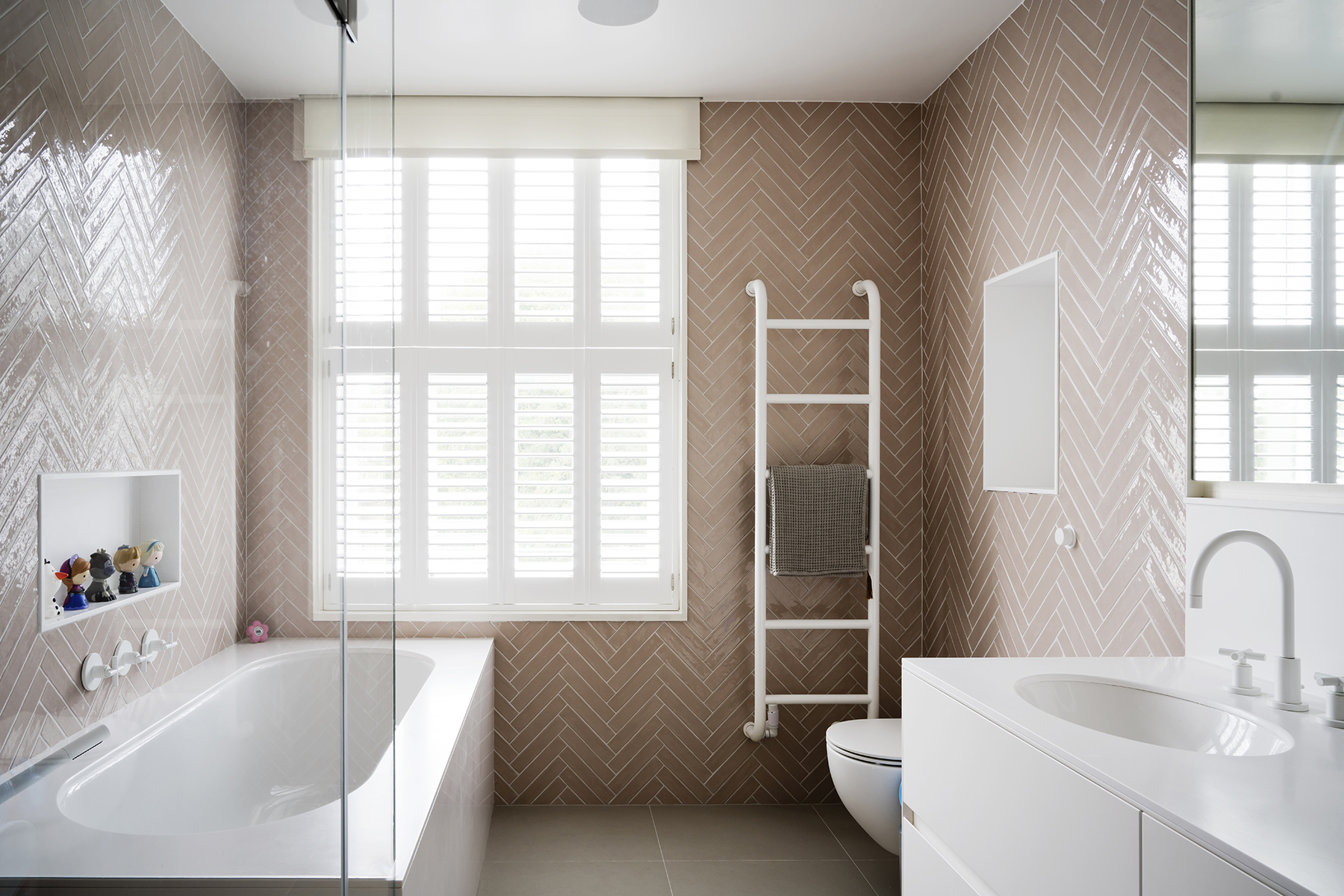 Girls_Bathroom_Kensington_London_W8_1675