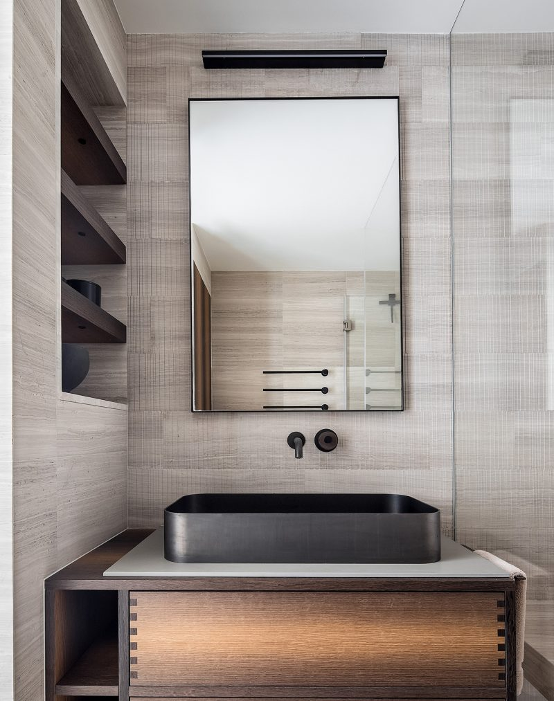His_Master_Bathroom_Kensington_London_W8_40
